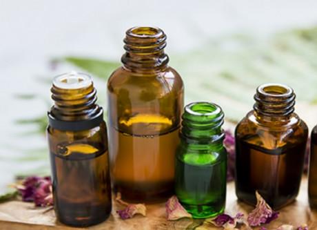 Sprays et diffuseurs à base d'huiles essentielles : l'Anses appelle à la vigilance
